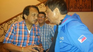 """Dante Jimenez, founding president of Volunteers Against Crime and Corruption (left) said to be one of the members of Duterte's """"inner circle' greets President-elect in a recent meeting in the Philippines. Jimenez said Duterte will wipe out crime in the country in a meeting with journalists and community leaders in Los Angeles. Photo courtesy of former Welfare Officer Don Duerro"""
