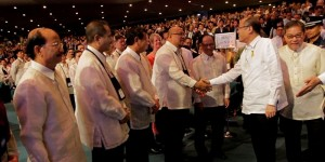 President Benigno S. Aquino III is received by DOT Secretary RamonJimenez, Jr, heads of International Tourism Organizations, and by members of the diplomatic corps  upon arrival at the Philippine InternationalConvention Center for the opening ceremony of theASEAN Tourism Forum. (MNS photo)