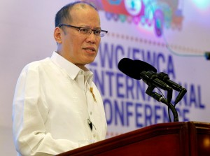 President Benigno S. Aquino III delivers his speech during the 2016 East-West Center (EWC) / East-West Center Association (EWCA) International Conference at the Centennial Hall of the Manila Hotel in One Rizal Park, Manila City on Friday (January 15). (MNS photo)