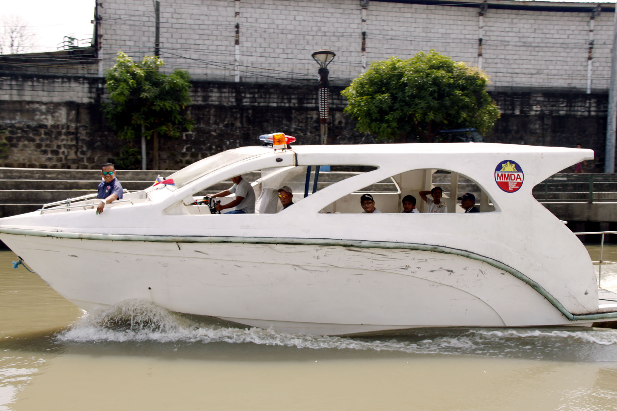 Photo shows the Metropolitan Manila Development Authority (MMDA) cruising along Pasig River with routes from Pinagbuhatan in Pasig City to Intramuros in the City of Manila and vice-versa. (MNS photo)