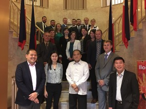 Cornell University LEADNY 2016 Fellows with the Philippine Embassy's Commercial Counsellor Raymond Batac (front row, left), Public Diplomacy Officer Darell Artates (front row, 2nd from left), Economic Minister Jose Victor Chan-Gonzaga (front row, 3rd from left), and Labor Attaché Saul de Vries (front row, right) during their briefing on 28 September 2016.
