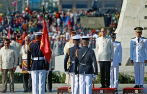 President Benigno S. Aquino III is accorded Full Military Honor with 21 gun salute during the commemoration of the 119th Anniversary of the Martyrdom of Dr. Jose Rizal at the Rizal National Monument in Rizal Park, Manila City on Wednesday (December 30, 2015). With theme: ?Rizal 2015: Dangal Ng Pilipino, Gabay Sa Pagbabago.? (MNS photo)