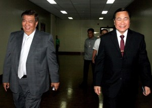 MEETING WITH JUSTICE CARPIO ON WEST PHL SEA ISSUE: Senate President Franklin M. Drilon (left) and Supreme Court Senior Associate Justice Antonio Carpio (right) were all smiles after a briefing with senators on the West Philippine Sea issue at the Senate on August 12, 2015, Wednesday. Carpio was invited by Drilon to discuss with the senators the latest developments regarding the territorial disputes between the Philippines and China on the West Philippine Sea, currently the subject of a case lodged at the Arbitral Tribunal of the United Nations Convention on the Law of the Sea (UNCLOS). (MNS photo)