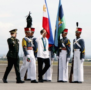 Armed Forces of the Philippines (AFP) Chief of Staff, Gen. Hernando Iriberri (left), leads the arrival honors for President Benigno S. Aquino III during the 80th founding anniversary of the Armed Forces of the Philippines (AFP) on Monday (Dec. 21, 2015) at Clark Air Base in Pampanga province. (MNS photo)