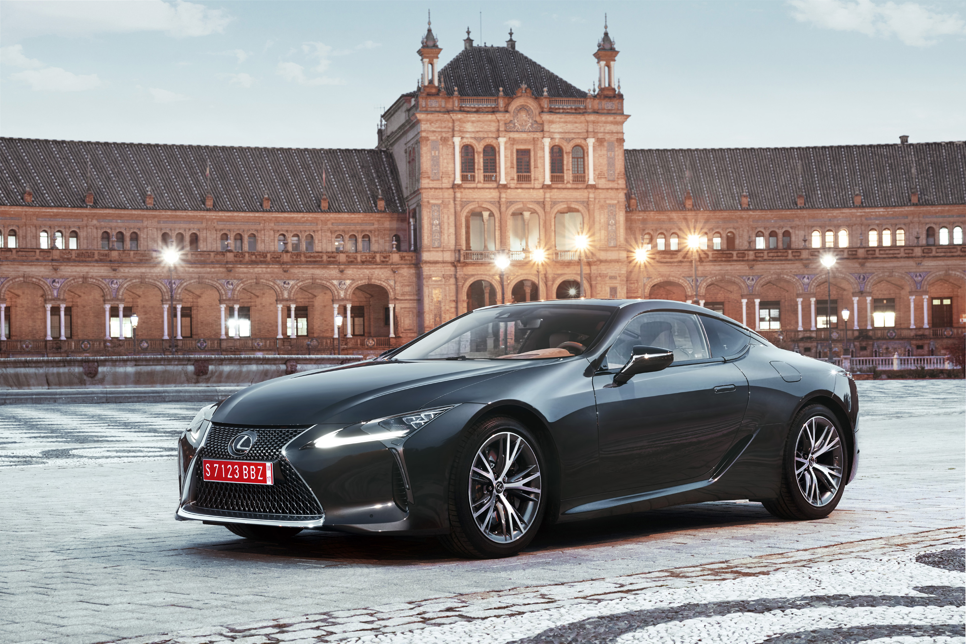 The LC is a new flagship 2+2 performance coupe for Lexus' global model range, not only showcasing the qualities of design, beauty, engineering and advanced technology that define it as a premium vehicle manufacturer, but also symbolizing its ambition as a luxury lifestyle brand. The Lexus LC will go on sale in the U.S. in Spring 2017.