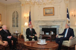 Secretary Albert del Rosario and US Secretary of State John Kerry hold a follow up meeting on Wednesday, January 13, 2016 to discuss several points raised during the 2nd Two-Plus-Two Ministerial Dialogue held the day before. Also in photo is Philippine Ambassador to the US Jose L. Cuisia, Jr.